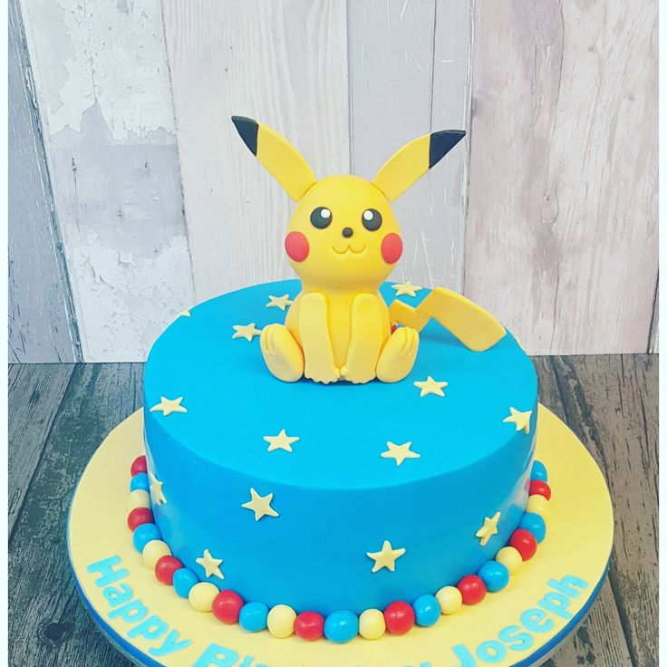 the 25 best ideas about pikachu cake on pinterest pokemon cakes pokemon birthday cake and. Black Bedroom Furniture Sets. Home Design Ideas