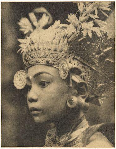 vintage photo Balinese girl