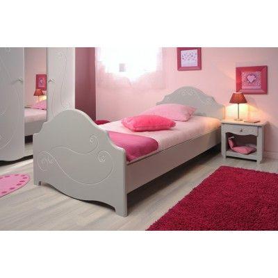 Kinderbett Alicia mit eleganten Gravuren an Kopf- und Fußteil kann für die Matratzengröße 90x200 verwendet werden. #Bett #Kinderbett #Moebel #Maedchenzimmer #Dekobetten