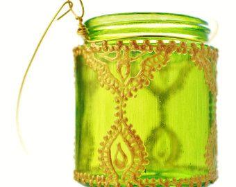 Colgando el sostenedor de vela de linternas marroquíes rosa
