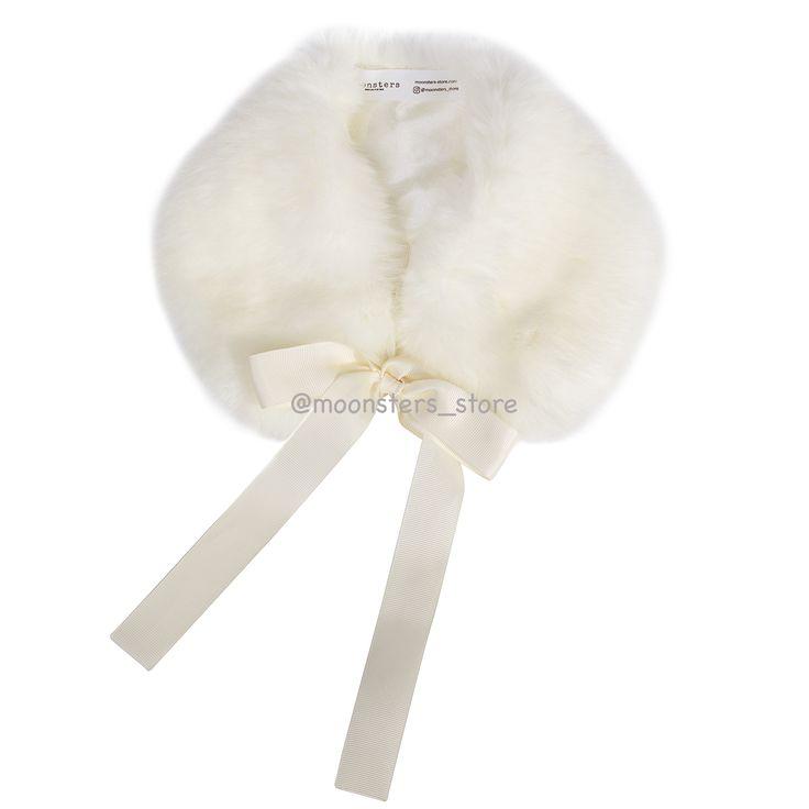 Воротничок из искусственного меха цвета слоновой кости с подкладкой из вискозы и репсовой лентой. Ручная работа.