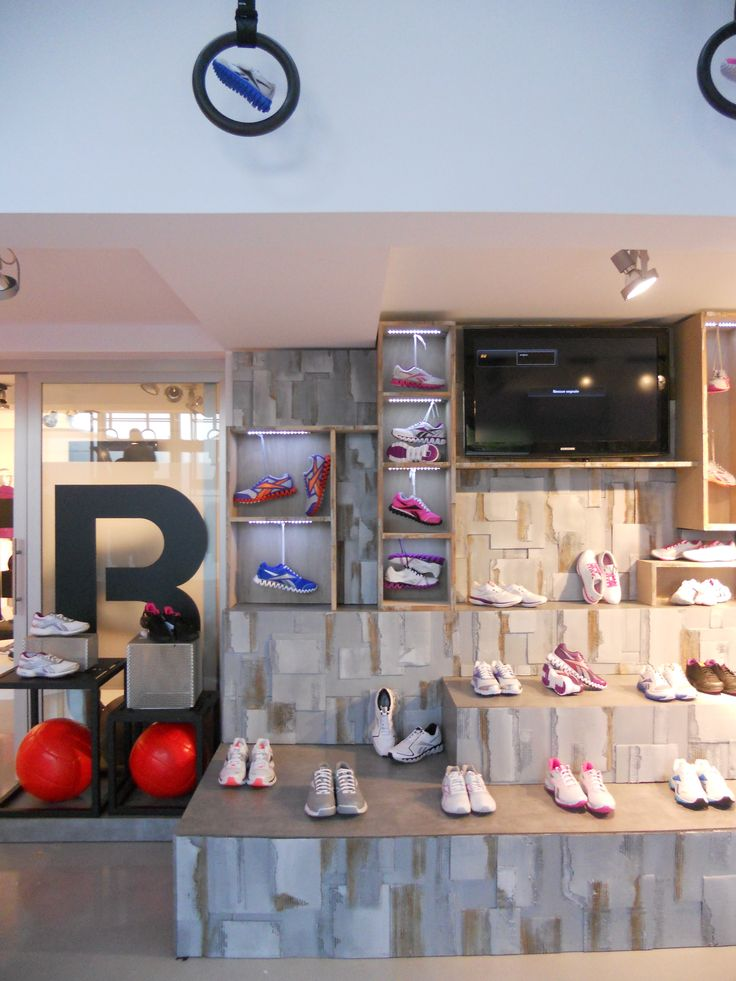 #reebok #pressday #reebokpressday #jkrproductions #reebokclassic #crossfit #sport #vynils #music #showroom #setup
