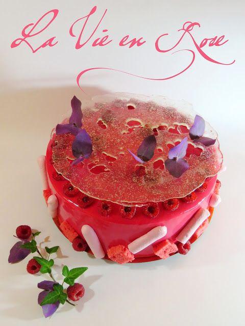 La Vie en Rose. Amande, Pistache, Sirop d'Orgeat, Fleur d'Oranger et Framboises.