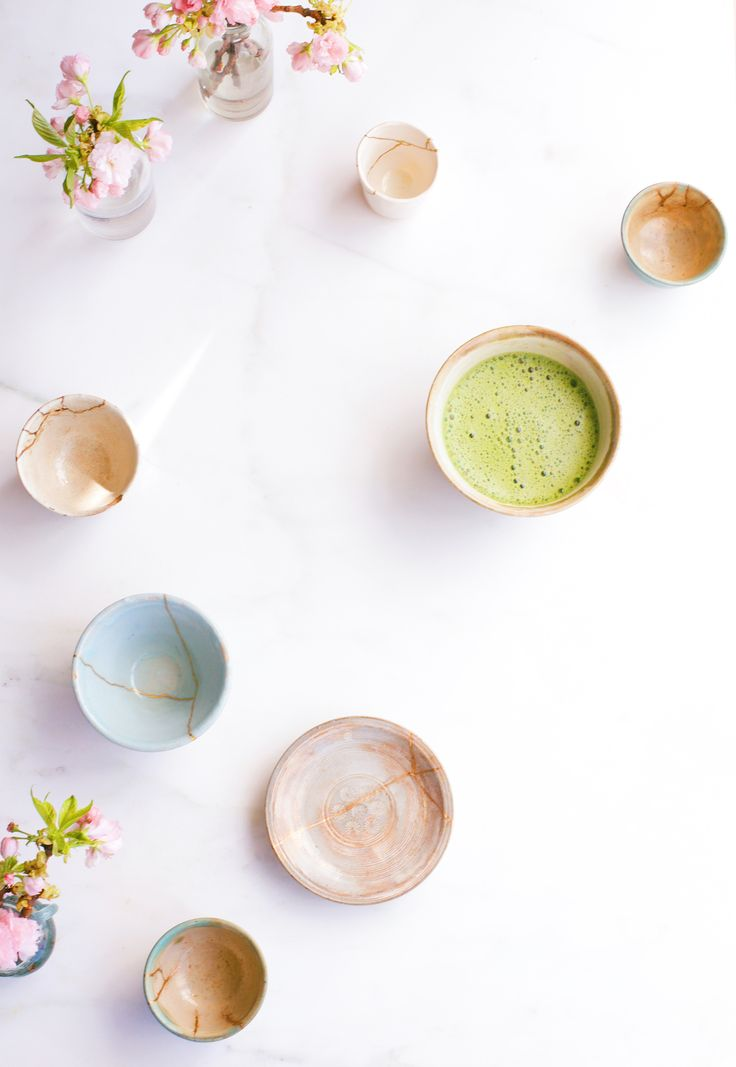 Why the Japanese Art of Kintsugi Is Your New Self-Care Hero Ways To Fall Asleep, Study Japanese, Japanese Painting, Appreciate What You Have, Japanese Tea Ceremony, Japanese Ceramics, Kintsugi, Little Books, Holiday Festival