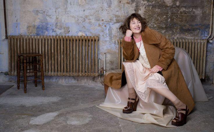 Jane Binrkin indossa collana NUMERO Atelier VM — en ATELIER VM.  D - la Repubblica