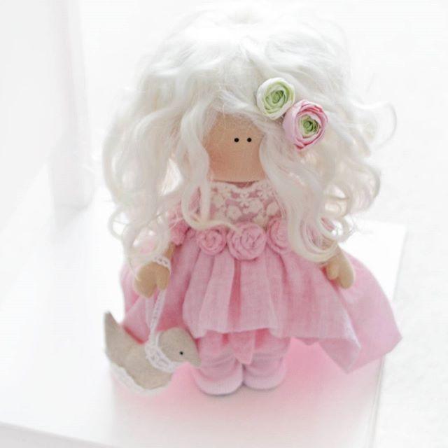 Это маленькое нежное чудо уже едет в свой новый дом Люблю её  #кукла #интерьернаякукла #коллекционнаякукла #bernina#рукоделие#нежность#ангел#красота#чудо#подарок#текстиль#хобби#миршитья#мк#шитье