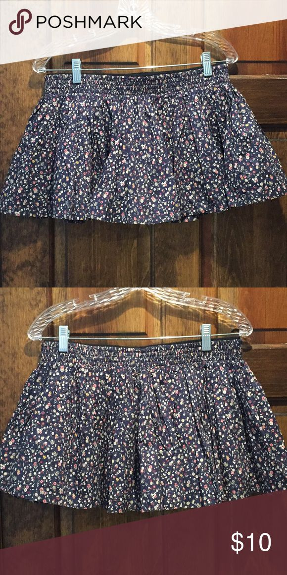 [BOGO FREE❄️] Jack Wills Navy Floral Berrow Skirt Jack Wills navy Floral Mini skirt in Piccadilly blue   Excellent Condition  Elastic waistband  Around 9 inches in length  Size: 8 Jack Wills Skirts Mini