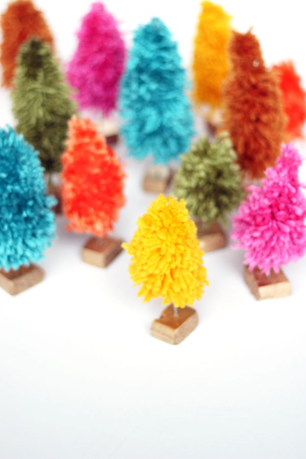 Melissa Of The Sweet Escape Shows You How To Make This Colorful Bunch Of  Mini Yarn Christmas Trees For You Holiday Decor.