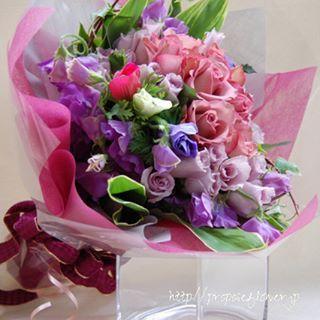 幸せな花束の記録♪  #花#花束#花好き #紫薔薇#スイトピー  #flower #flowers #flowerlovers#flowershop#flowerdesign #bouquet #hanataba#blumen #fleur