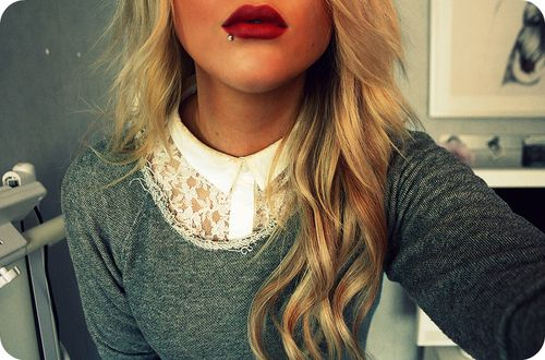 I love everything about this: lace sweater; hair; lipstick; labret : )