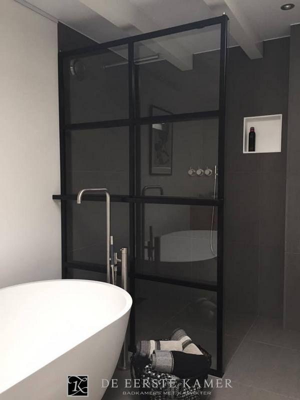 25 beste idee n over luxe badkamers op pinterest luxe badkamers droombadkamers en douches - Kamer van rustieke chic badkamer ...