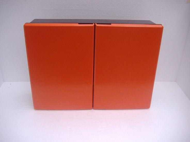 Design badkamer kast oranje zwart / Design medicin cabinet orange black | Klein meubels / Little furniture | nanda ceramics retro orange