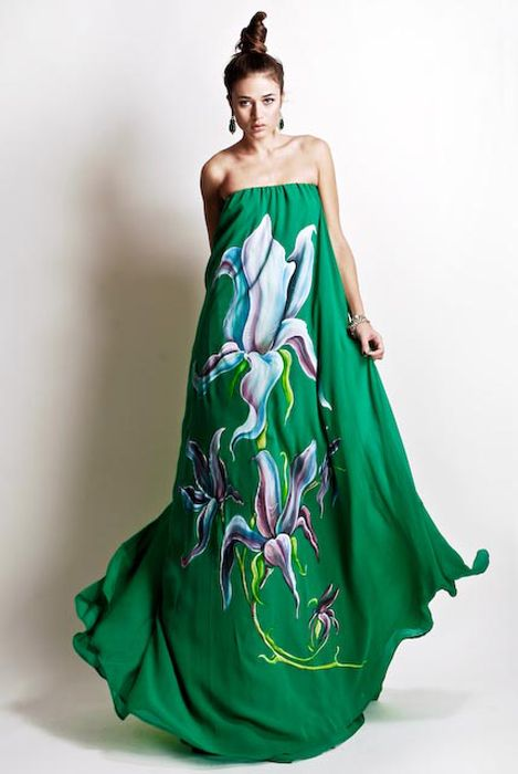 Green is so my fav color.  Stella Jean just became one of my fav designers.