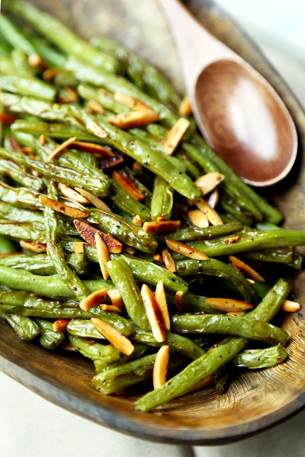 Broiled Green Beans Almondine - A buttery and nutty Broiled Green Beans Almondine Recipe that's on the healthier side and only takes 15 minutes to make from start to finish! Recipe, vegetarian, gluten free, healthy, side, appetizer | pickledplum.com