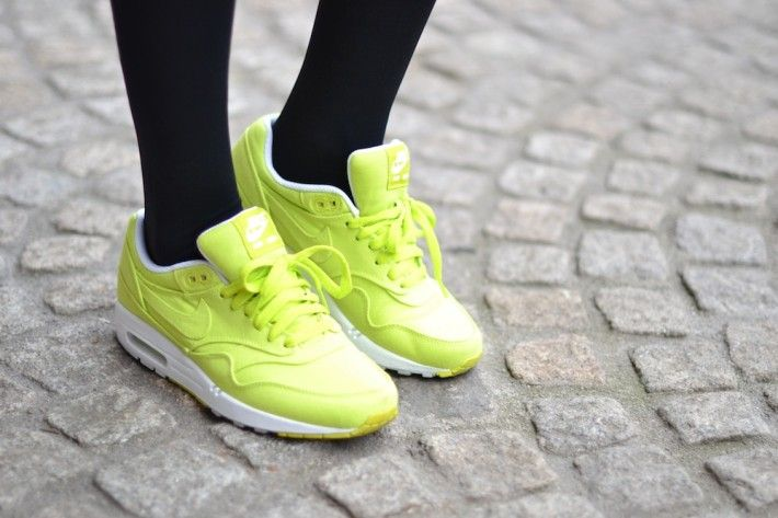 nike air max one cyber neon yellow womens