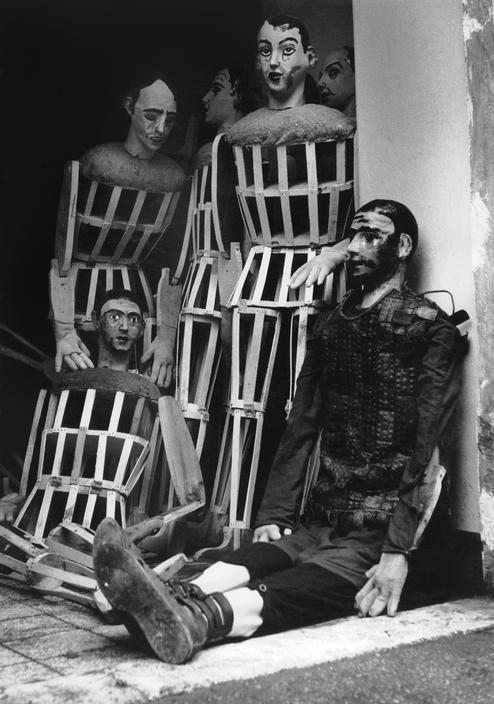 Silent stand-ins. Cinecitta, Rome, 1952 by Herbert List