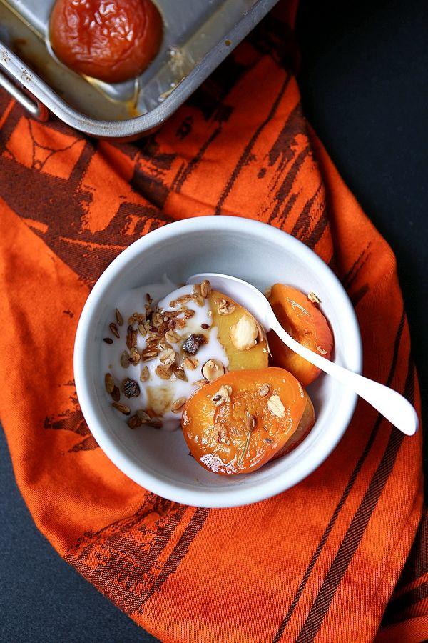 Nectarine et abricot rôti au romarin