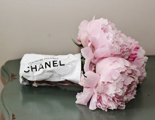 Peonies..the look of Summer and even flowers need a touch of Chanel ;)
