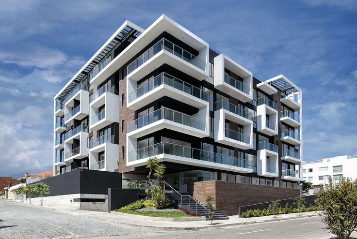 Vivalto is located at a 1600m2 corner lot in a residential area. Being a commission for a real estate group, from the beginning, our motivation was to try to...