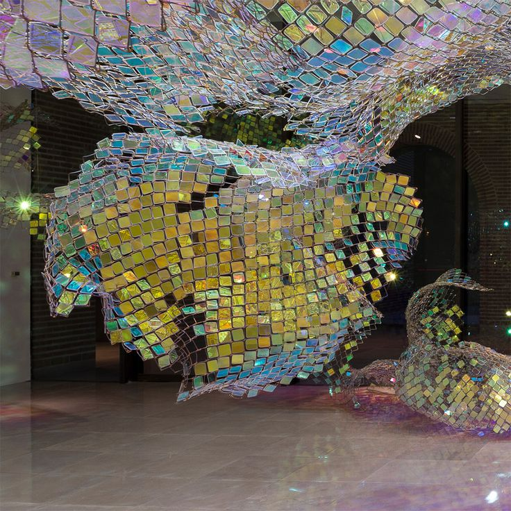 Brillante Eslabón de la cadena de Cercas por reflexión instalación de luz Soo Sunny Park múltiplos