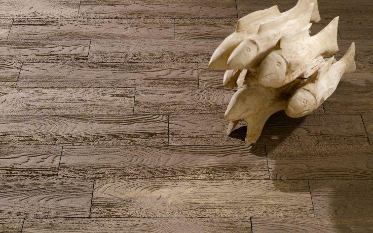 canWood® - Alte #Eichenbalken und #Bretter sind ein wunderbarer Werkstoff, den wir für diese Produktlinie als Vorlage verwendet haben. canWood® ist ein #Terrassenbelag mit #Holzstrukturoptik – #Beton und #Holz verschmelzen zu einer schlanken, langen #Diele und sehen groben #Holzplanken zum Verwechseln ähnlich. canWood® Dielen sind der Traum eines jeden Betonliebhabers, der sich dennoch Holzoptik auf seiner #Terrasse wünscht. Der Effekt ist verblüffend echt.