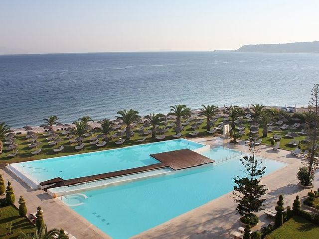 The elegant SENTIDO Ixian Grand overlooks the sapphire waters of Ixia Bay on the west coast of Rhodes near the ancient town of Ialyssos