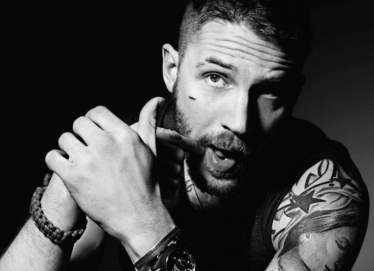 http://es.wikipedia.org/wiki/Tom_Hardy