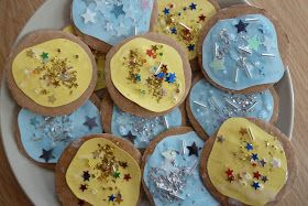 Jennifer's Little World blog - Parenting, craft and travel: Cardboard play biscuits for the toy kitchen