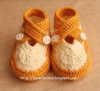 Hünerlerimiz: Double Strap Baby Booties Pattern 0-4 Months / Çapraz Bağcıklı Bebek Patiği Yapılışı 0-4 ay