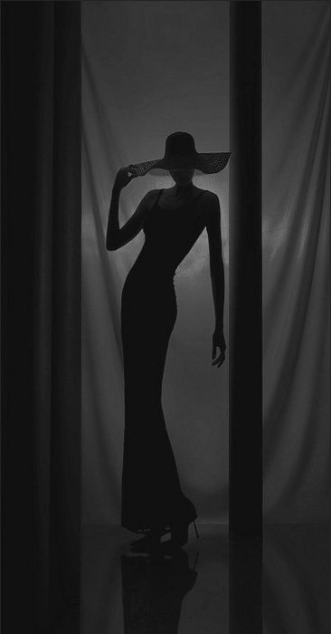 Love the sense of mystery and beauty created by this image.