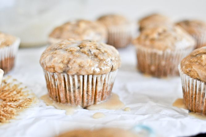 whole wheat banana spice muffins with brown butter glaze: Breakfast Ideas, Brown Sugar, Butter Glaze, Grains Bananas, Brown Butter, Bananas Spices, Breakfast Recipes, Bananas Breads, Spices Muffins