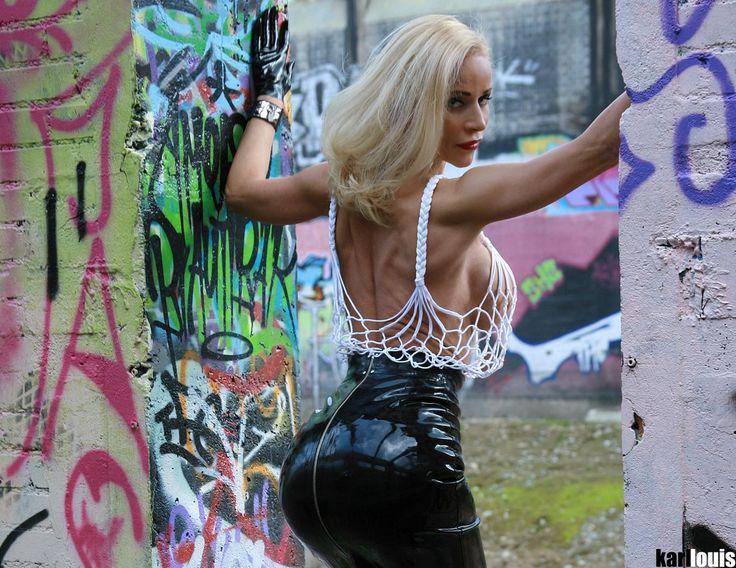 DEA DONATELLA - Graffiti 1 - 47 PHOTOS