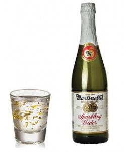 Goldschläger + Sparkling Apple Cider      1 cup of Sparkling Apple Cider   (like Martinelli's)     1 shot of Goldschläger cinnamon schnapps
