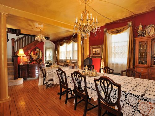 Old Victorian Farmhouse Bed And Breakfast In Wauconda Illinois 40 Miles Outside Chicago
