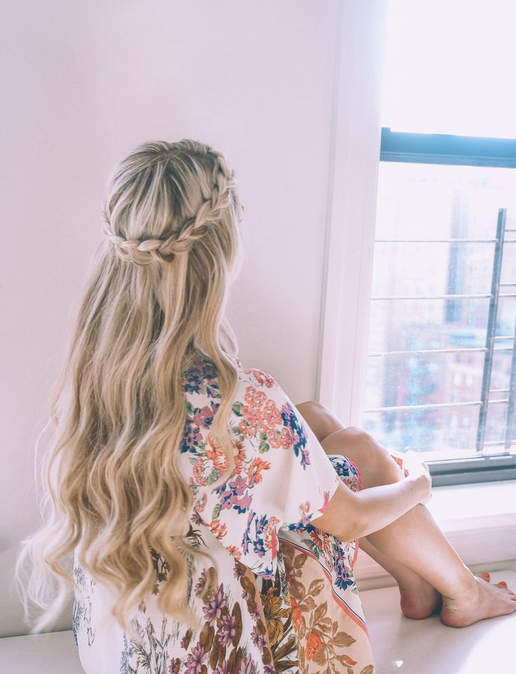 Barefoot Blonde Half Up Halo Braid Tutorial