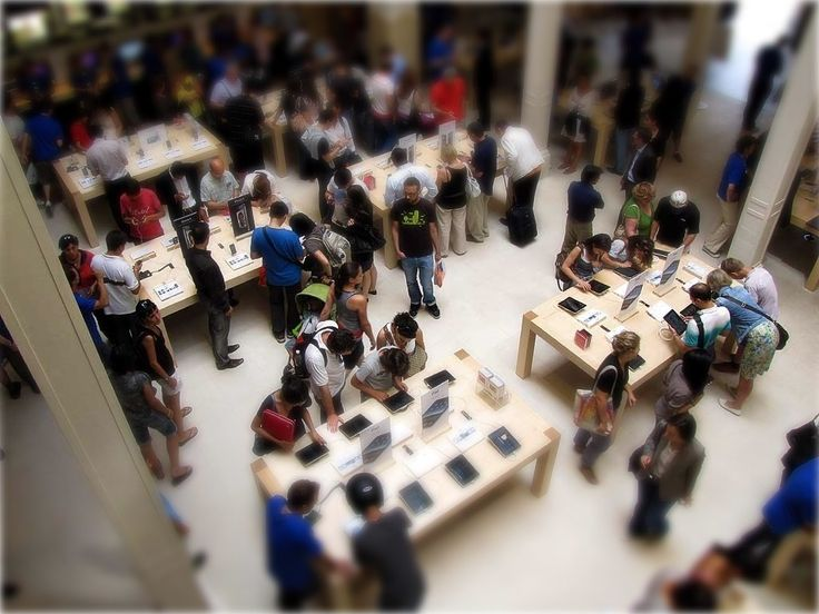 Apple Store - by ToyCam