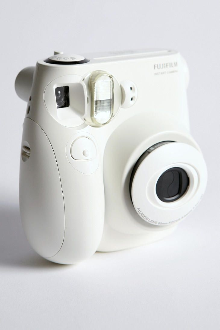 Instax Mini 7S Instant Camera... I love the curves, and how chic and vintage this looks <3