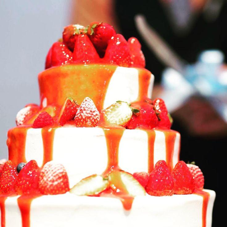 ケーキ入刀の代わりの演出!垂らしこみケーキのやり方   marry[マリー]