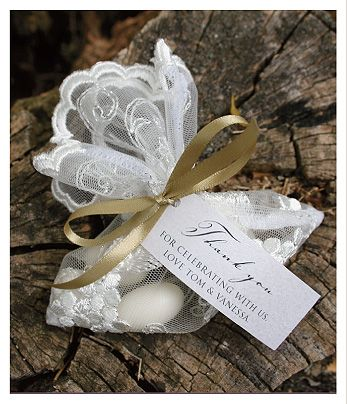 Pretty lace wedding favour bags - Huetopia Design