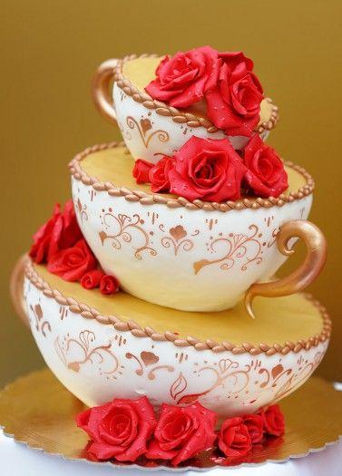 Ausgefallene Hochzeitstorte   – Torte