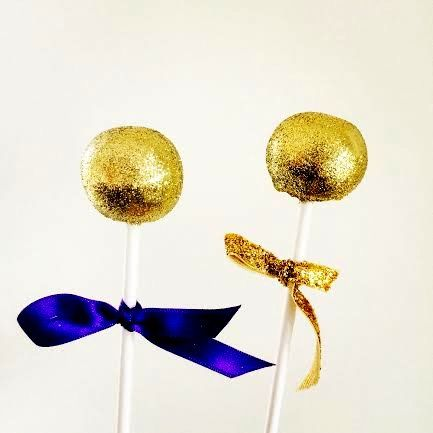 Our gold cake pops!!