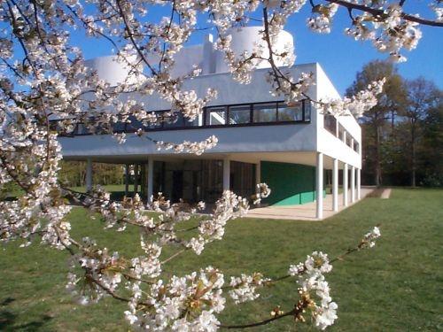 La Villa Savoye de Le Corbusier (1928).