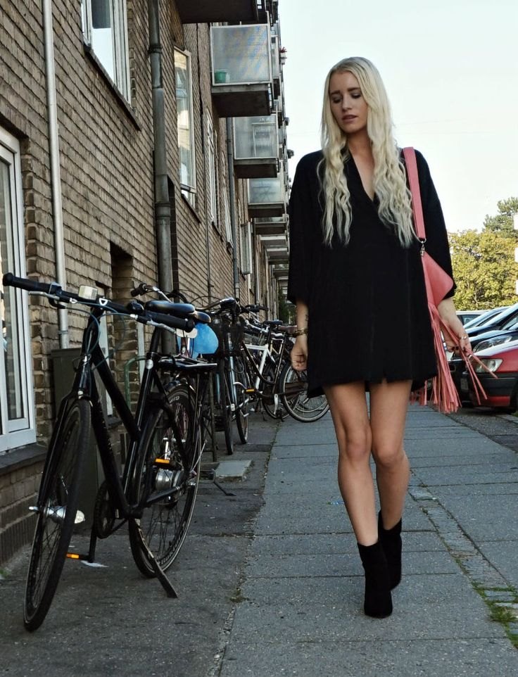 Black with a pop of pink #fashion #fashionblog #ootd