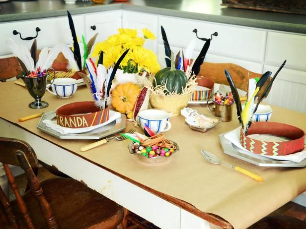 Thanksgiving crafts for children and kids table