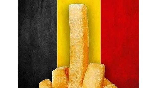 Een middelvinger gemaakt van frieten als protest tegen het terrorisme. Dat is een van de foto's die vandaag erg populair waren op social media na de ...