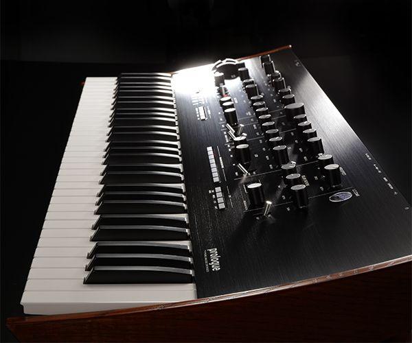 Pin By Stefanie Ku On Music Gear Synthesizer Korg