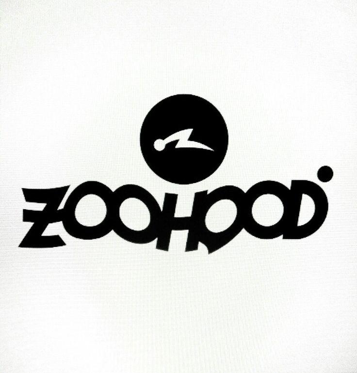 Zoohood (zuhud) adalah konsep yang merujuk kepada interprestasi simbolik maknawiyah dan cara berfikir yang diajarkan turun temurun, layaknya sanepo bagi orang jawa,  Berisi petuah dan wejangan tentang hidup yang tersembunyi melalui tatanan bahasa penuh majas baik itu berupa syair lagu, simbol, gambar, karya seni dll Zoohood sendiri (disini) bermakna kan manusia, Pendidikan modern mengartikan manusia adalah kumpulan binatang yang berkerudung/berpakaian.  Zuhud cara menjalani hidup lebih baik