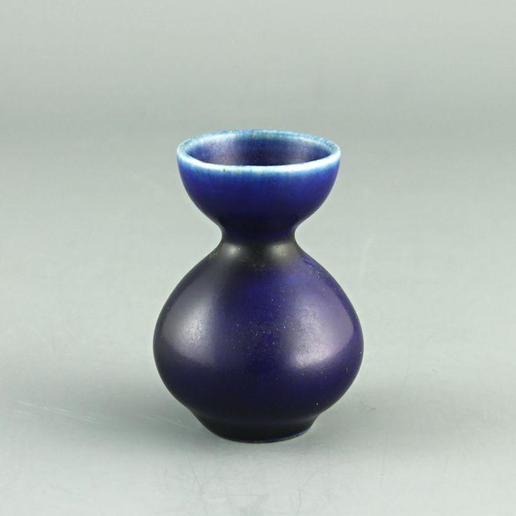 John Andersson (1950's) Delightful hourglass miniature vase