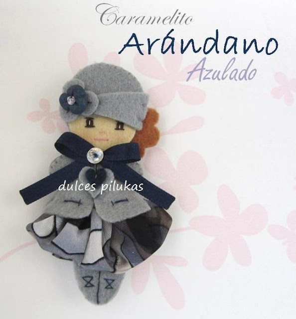 Muñeca fieltro. Piluka Caramelito - Arandano Azulado
