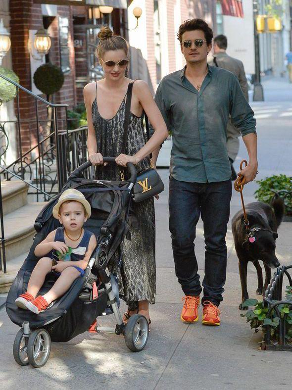 miranda kerr, orlando bloom, flynn, dog, stroll, new york city, 4th July, married couple